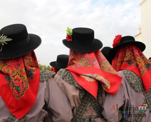 Chapéu, o lenço e papoila