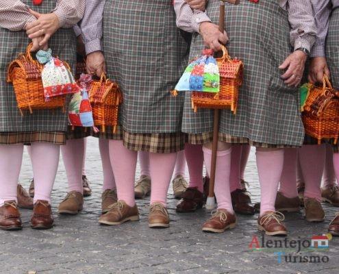 Cabazes e talegos- outrora eram utilizados para transportar os almoços para o campo ou em dia de viagem a Lisboa.