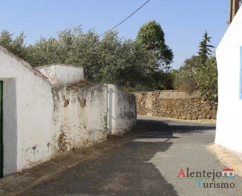 Muros de pedra.