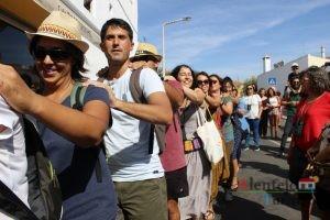 Pessoas em fila.