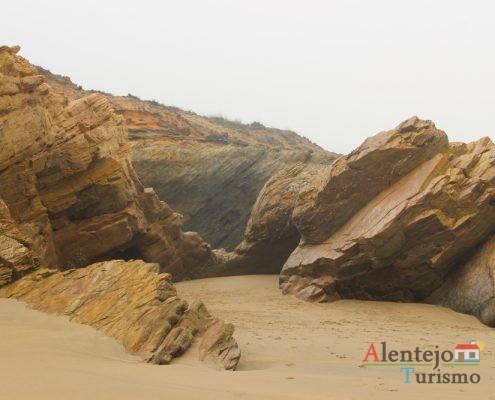 Rochas e areia