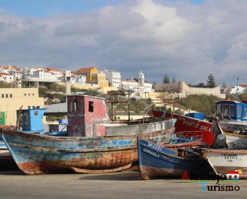 Barcos e cidade