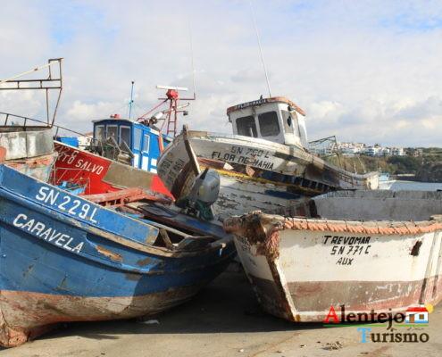 Barcos amontoados