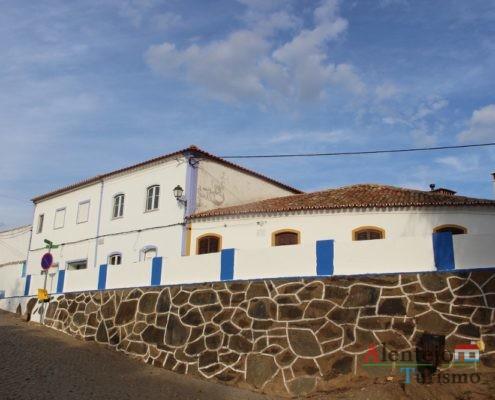 Muro e casas