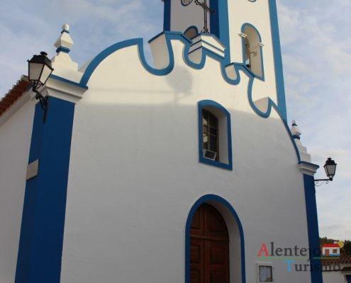 Porta e janela da igreja