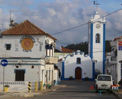Casas e igreja