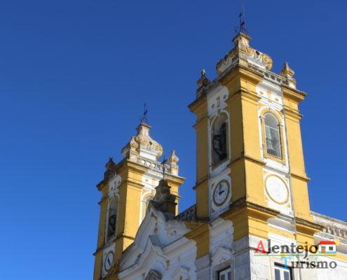 Torres de igreja