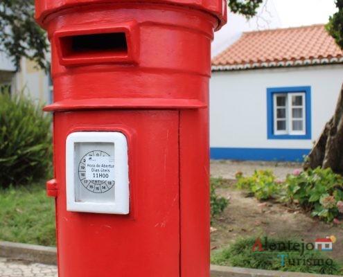 Marco vermelho do correio