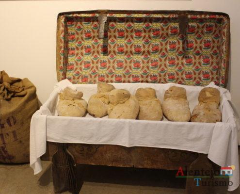 Pão, lençol e arca