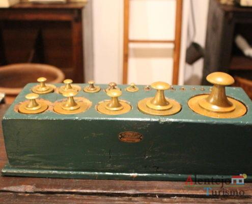 pesos antigos em caixa