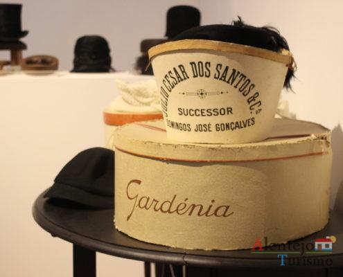 Caixa de chapéus