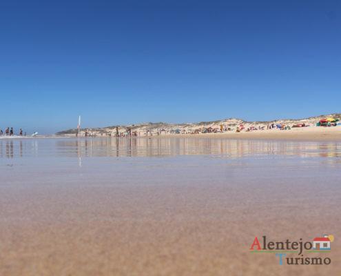 Dunas refletidas no mar - praia do Malhão