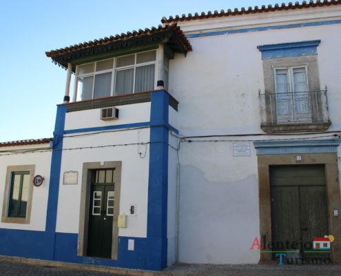 Casa alentejana com marquise