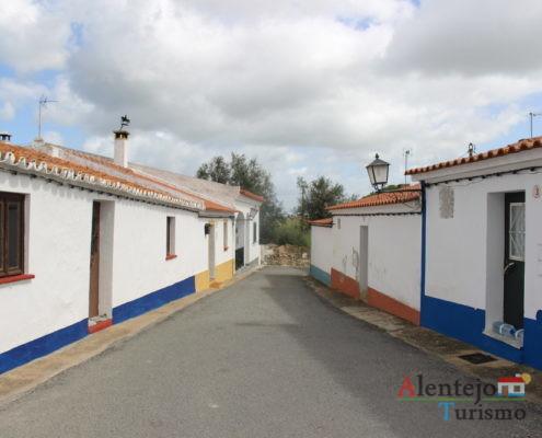 Rua com casas