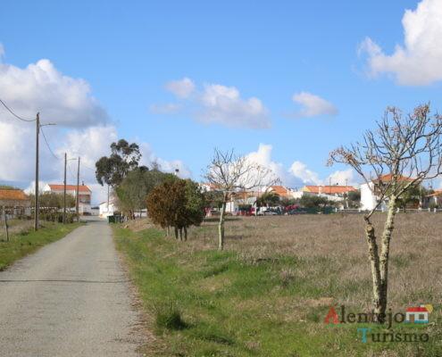 Estrada e povoação