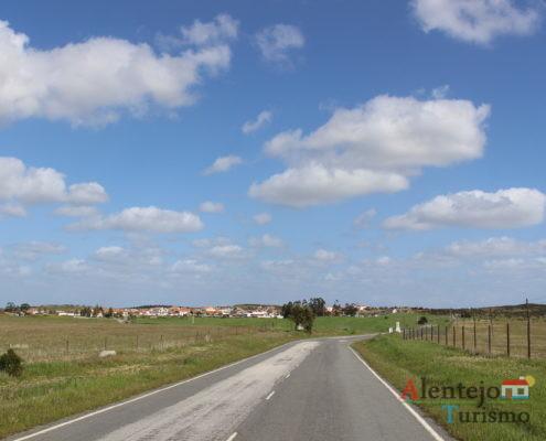 Estrada e monte