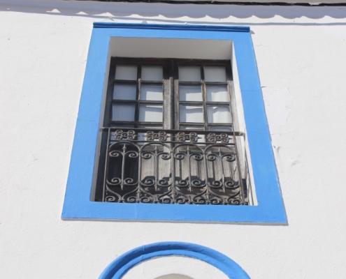 Janela redonda e janela retângular