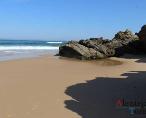 Rota M1109: areia, mar e rochas