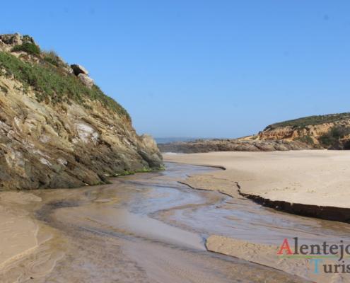 Praia da Foz do Burrinho: foz da ribeira