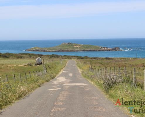 Estrada e ilha