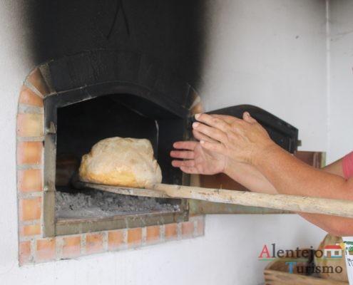 Mãos e pão