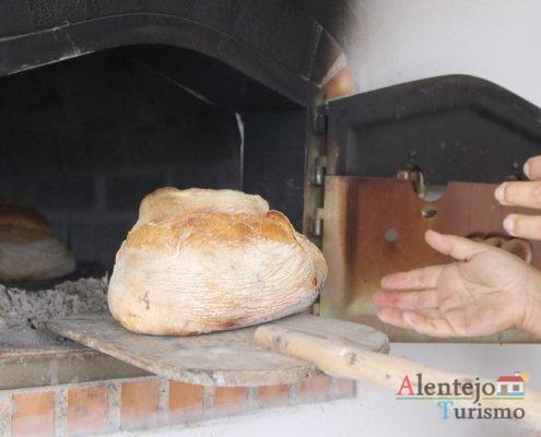 Pão a sair do forno