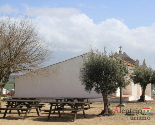 Oliveira e igreja