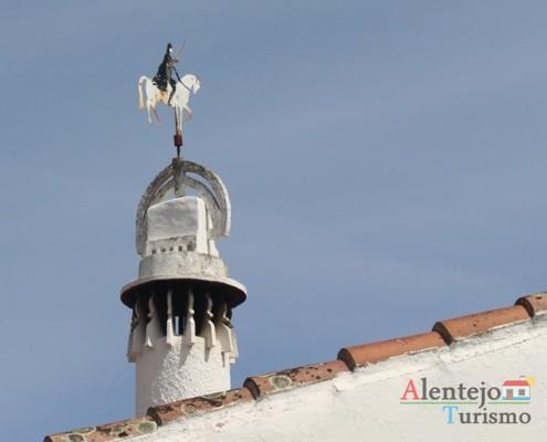 Chaminé e cata-ventos cavaleiro– Alcarias – capital dos cata-ventos – concelho de Ourique