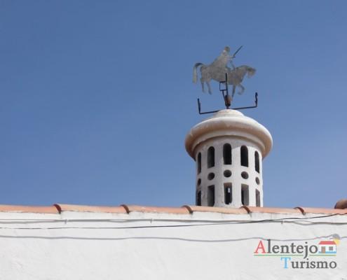 Chaminé e cata-vento – Alcarias – capital dos cata-ventos – concelho de Ourique