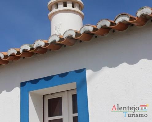 janela - Alcarias – capital dos cata-ventos – concelho de Ourique