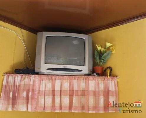 A televisão - Taberna do Manel – Conceição – Concelho de Ourique