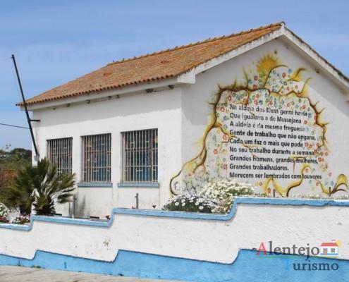 Beleza e simplicidade em tons de azul e branco - Escola primária – Aldeia dos Elvas – Concelho de Aljustrel