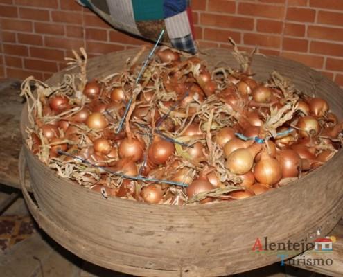 Peneira de cereais com cebolas - Museu em casa – Grandaços - Ourique - Alentejo