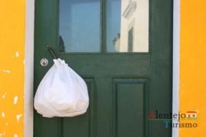 O segredo do saco à porta