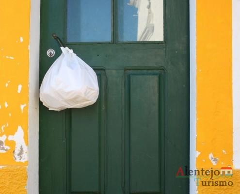 Saco à porta – hábitos e costumes do Alentejo