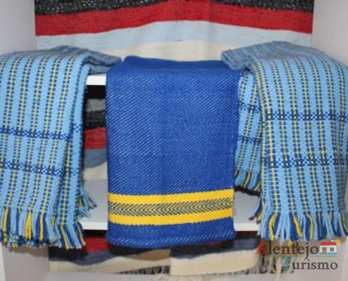 Mantas de lã - A Dobadoira - Associação de Artesãos – Viseus; Concelho de Castro Verde; Alentejo