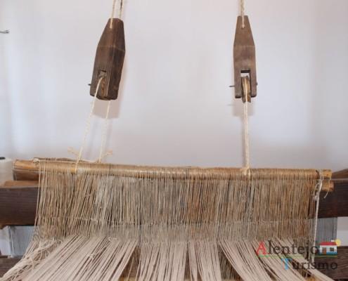 Tear - A Dobadoira - Associação de Artesãos – Viseus; Concelho de Castro Verde; Alentejo