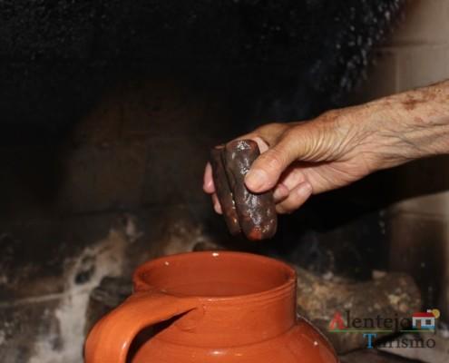 Chouriça; jantar de acelgas; Alentejo; AlentejoTurismo