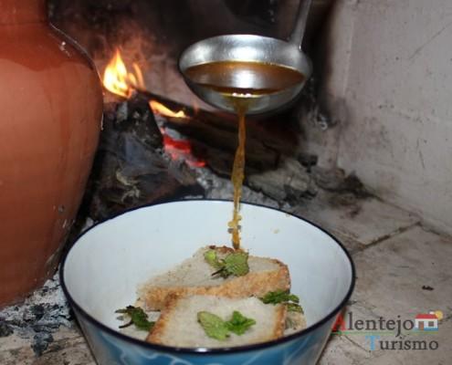 Sopas de pão - Alentejo - AlentejoTurismo