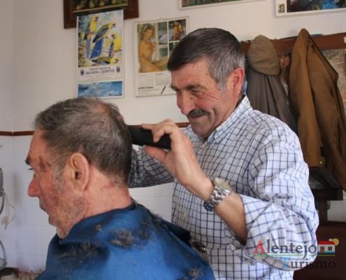 Corte de Barba e cabelo; Barbearia Silva; Cabeça Gorda; Concelho de Beja; Alentejo
