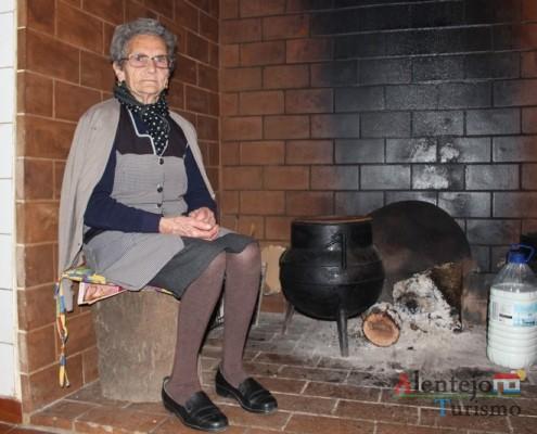 Rostos, anónimos mas muito grandes, que ilustram o nosso tributo à Mulher Alentejana; Alentejo; AlentejoTurismo.