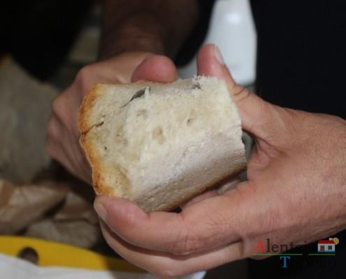 Spa de alface: utilize um bom pão alentejano.