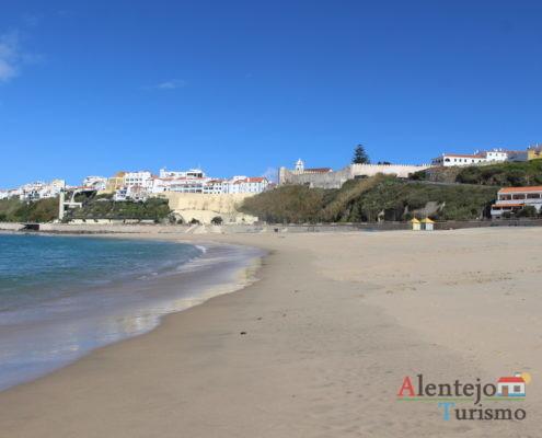 Areia, mar e cidade