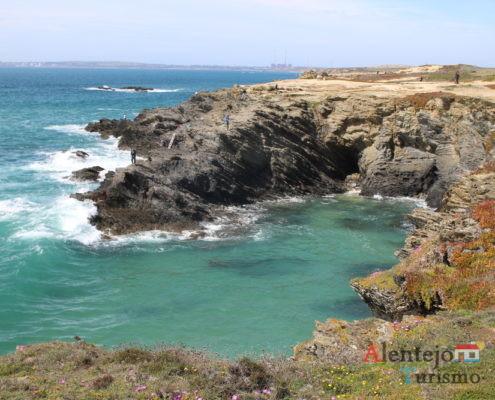 Praia de águas límpidas - Praia do Espingardeiro